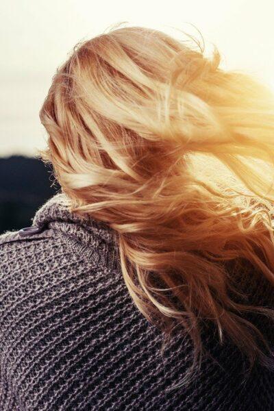 Co szkodzi włosom?